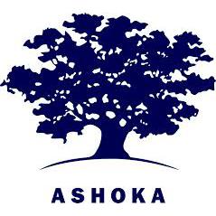 Logo Ashoka, Dunkelblauer Ashoka Baum mit breitem Blätterdach und stabilem Stamm auf einem angedeuteten Hügel, unter dem der Schriftzug ASHOKA in Großbuchstaben steht